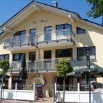 INT 141 Sommertag Wauzi 01-Villa_Wauzi_01