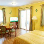 INT 141 Sommertag Wauzi 07-Appartement5_Wohnzimmer1
