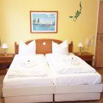 INT 141 Sommertag Wauzi 09-Appartement5_Wohnzimmer2b
