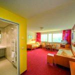 INT 280-0 AWO Ferienzentrum Oberhof AWOSANO Zimmer fuer Rollstuhlfahrer 2