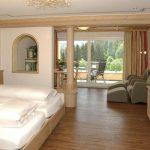 INT 42 Hotel Rössle HR 30 prospekt-p06